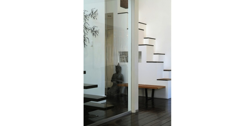 tribeca-loft_home-architect_interior-entrance_01-820x420.jpg